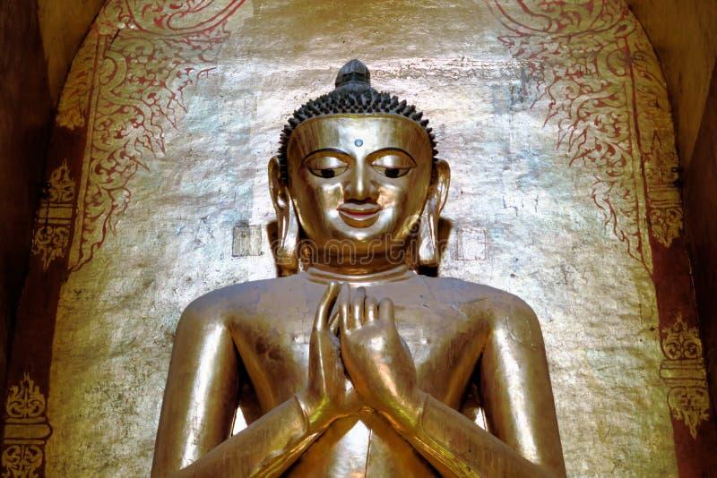 Buda en el templo de Ananda Buddhist, Bagan, Birmania fotos de archivo libres de regalías