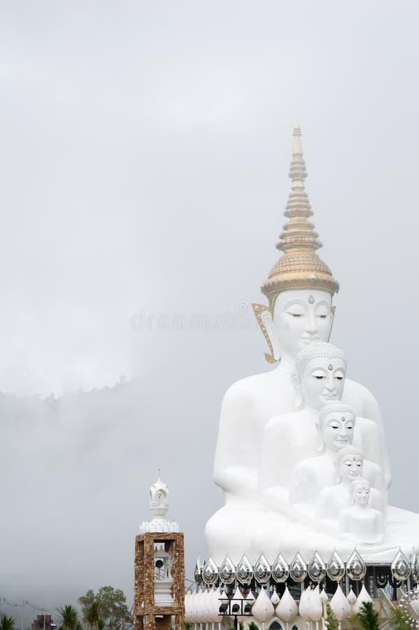 Buda en la niebla imágenes de archivo libres de regalías