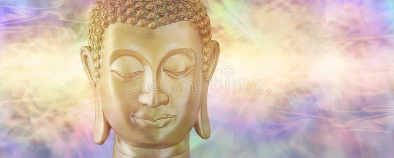 Buda en la reflexión profunda imagenes de archivo