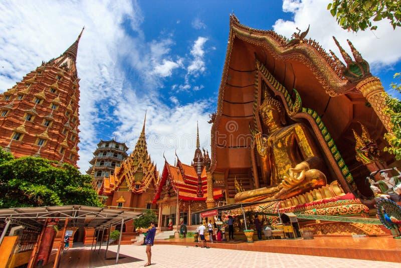 BUDA en Wat Tham Sua fotografía de archivo