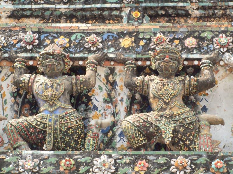 Buda gigante en la pagoda de Wat Arun foto de archivo