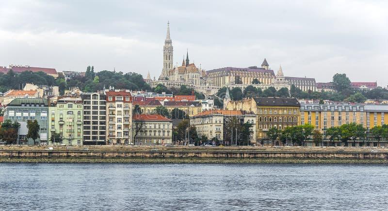 Budapest - église de cathédrale et de Calvin de St Matthew images stock