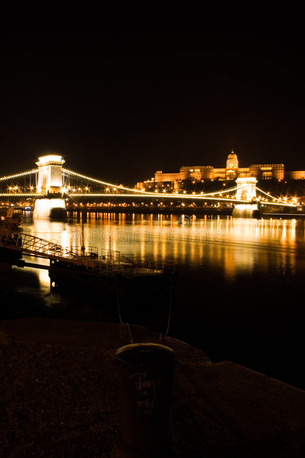 Free Budapest Chain Bridge And Castle Royalty Free Stock Photos - 450768