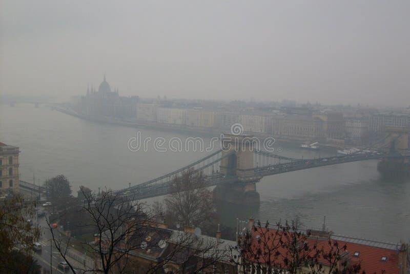 Budapest dans la brume de matin images libres de droits