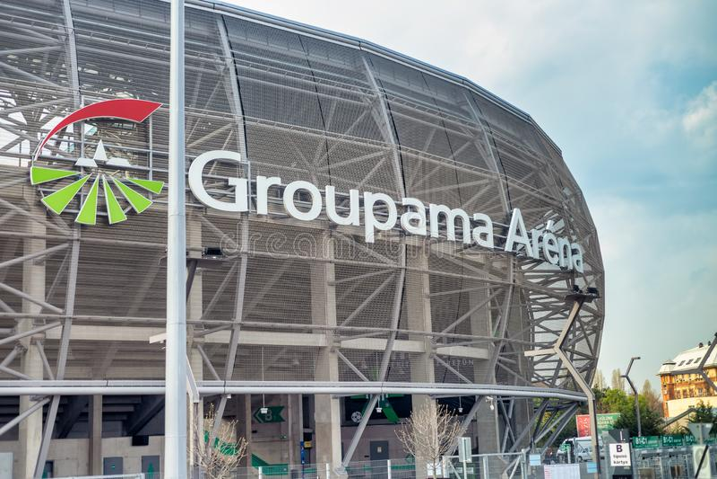 BUDAPEST - 3 DE ABRIL DE 2019: Opinión de exterior de la arena de Groupama Con una capacidad de 22.000, la arena de Groupama es t imágenes de archivo libres de regalías