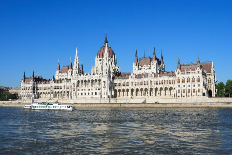 Budapest, el edificio del parlamento imagenes de archivo