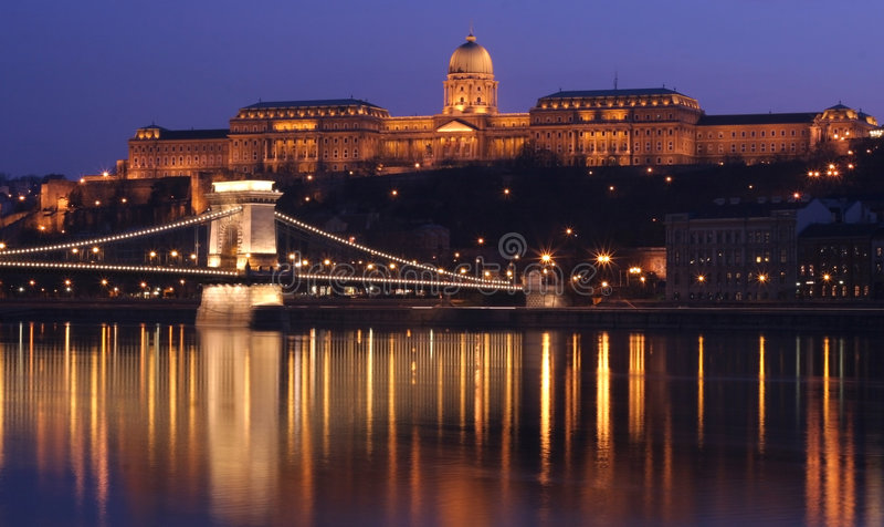 Budapest em Noite imagens de stock royalty free