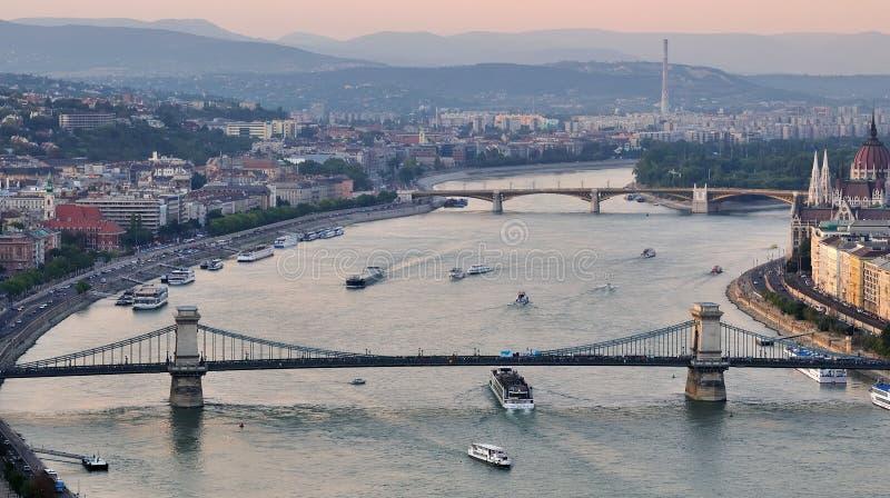Budapest em a noite fotografia de stock royalty free