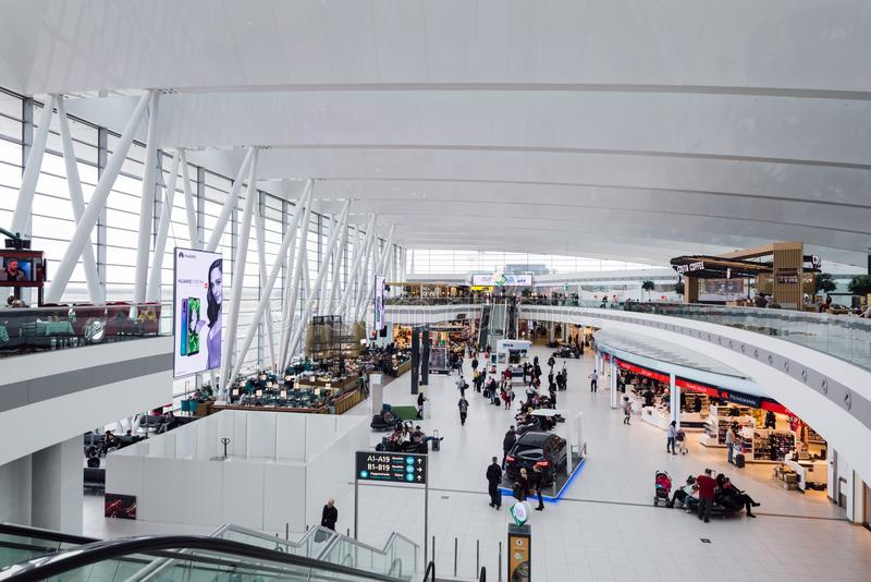 Budapest flygplatsterminal arkivbilder