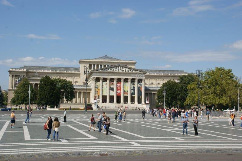 Budapest hjältefyrkant royaltyfria foton