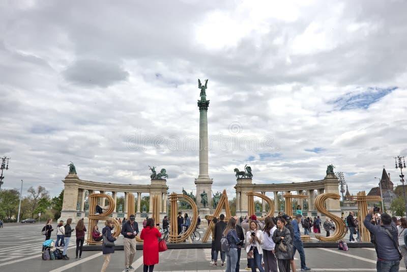 budapest hj?ltehungary fyrkant royaltyfria bilder