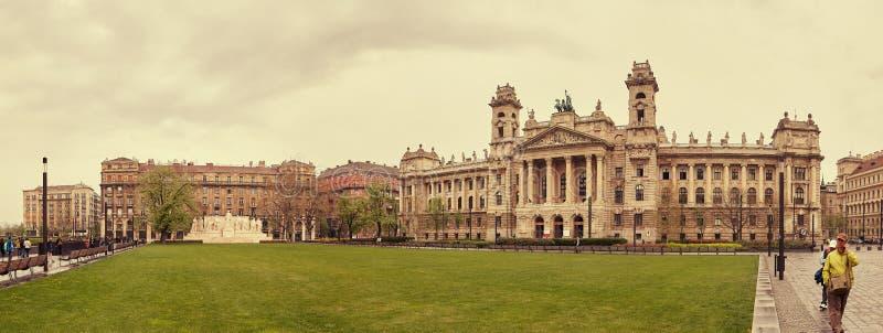 Budapest, Hongrie - 17 avril 2018 : Lajos Kossuth Square photographie stock libre de droits