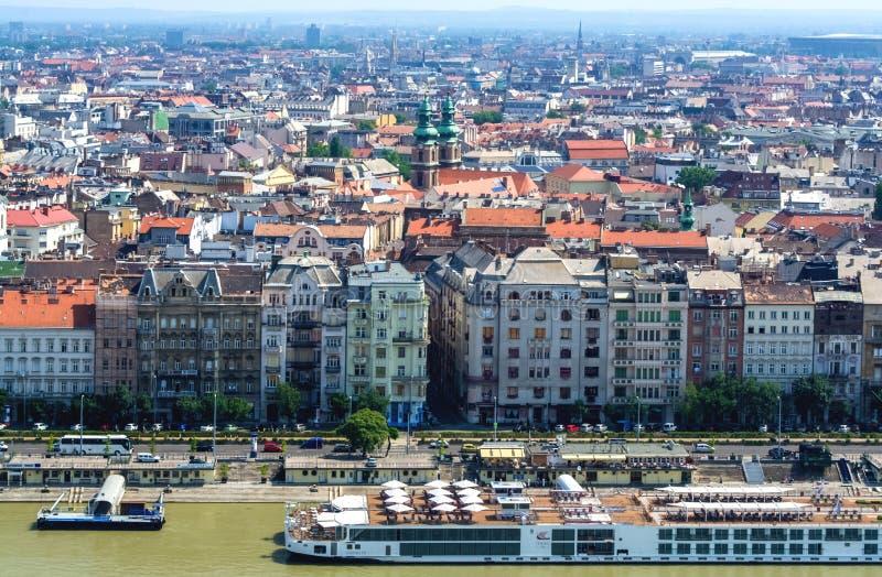 12 06 2019 Budapest, Hongrie Belle vue de la partie historique de la ville, des vieux bâtiments et des vues, rivière et côte, de  image libre de droits