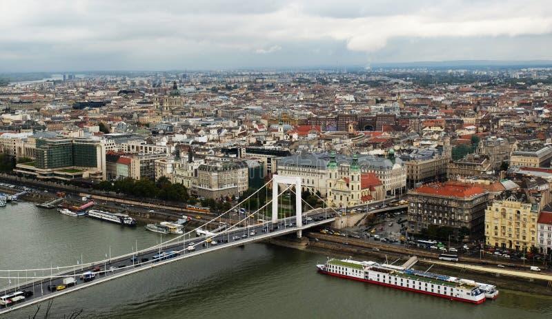 Budapest, Hongrie - panorama de la capitale hongroise située sur le Danube photos stock