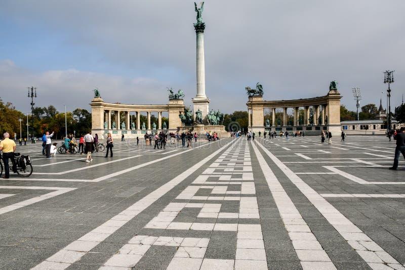 Budapest, Hongrie (place de héros) photos stock