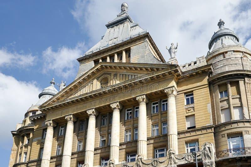 BUDAPEST HUNGARY/EUROPE - SEPTEMBER 21: Anker hus i Budapes arkivfoto
