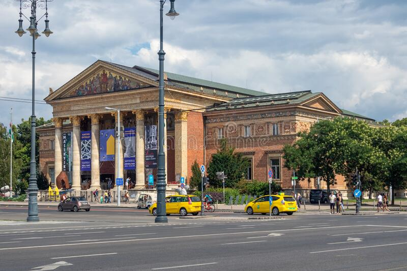 Heroes square with Hall of Art in Budapest, Hungary stock photography