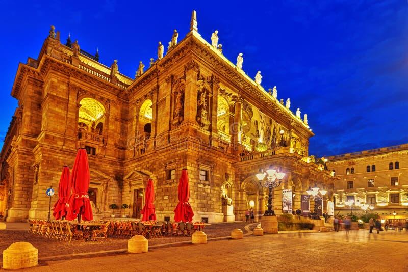 BUDAPEST, HUNGARY-MAY 05,2016 : Le théatre de l'opéra d'état hongrois est a images libres de droits