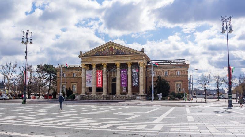 Budapest Hungr?a 03 15 Art Gallery 2019 del lado cuadrado de los h?roes imagen de archivo