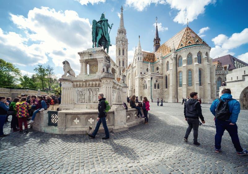 Budapest, Hungria 15 de abril de 2014: Vista de St Stephen Statue e imagem de stock royalty free