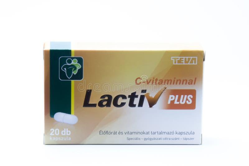 Budapest, Hungria - 10 de julho de 2018: Sinal de adição de Lactiv com o Dr. da vitamina C fotos de stock