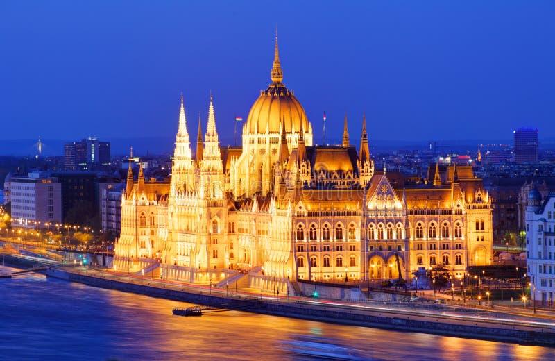 Budapest, Hungria em uma noite fotos de stock royalty free