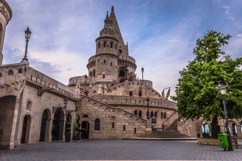 Budapest - Juni 22, 2019: Fiskares bastion i den Buda sidan av Budapest, Ungern royaltyfri foto
