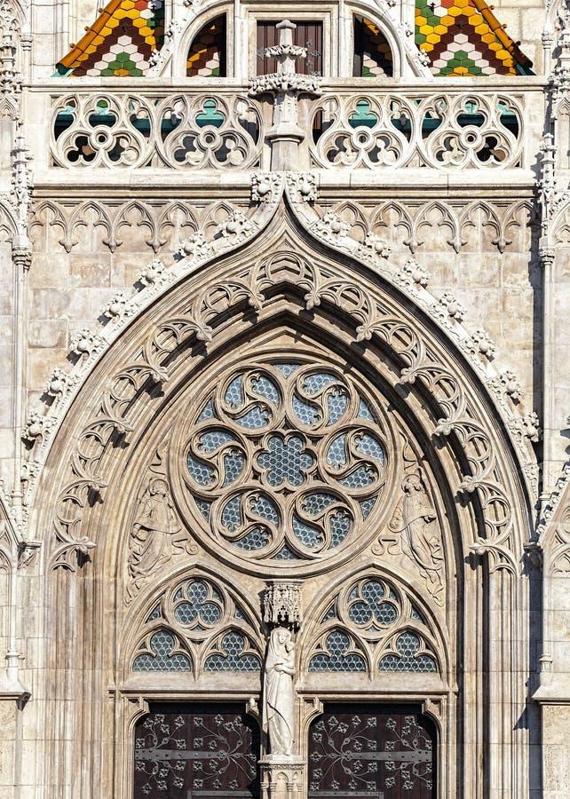 Budapest, Matthias Church, Detail eines Eingangs lizenzfreies stockfoto