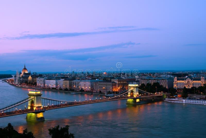 Budapest na noite