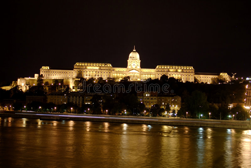 Budapest na noite fotografia de stock royalty free