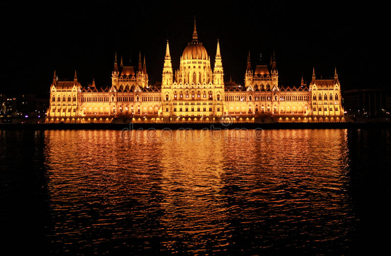 budapest noc parlament obraz stock