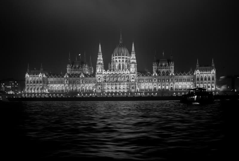 Budapest parlament nocą Czarny I Biały obrazy royalty free
