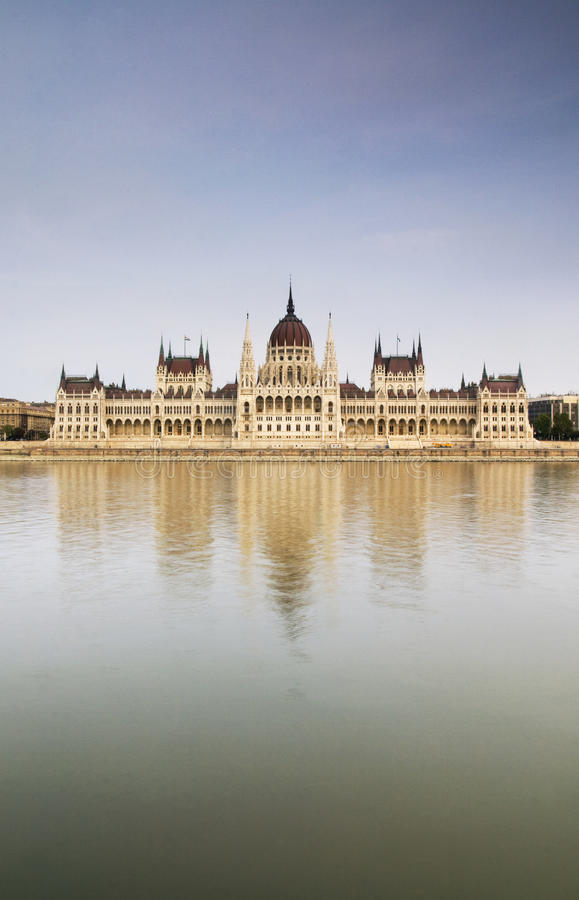 Free Budapest Parliament Reflected In The Danube Royalty Free Stock Image - 12126266