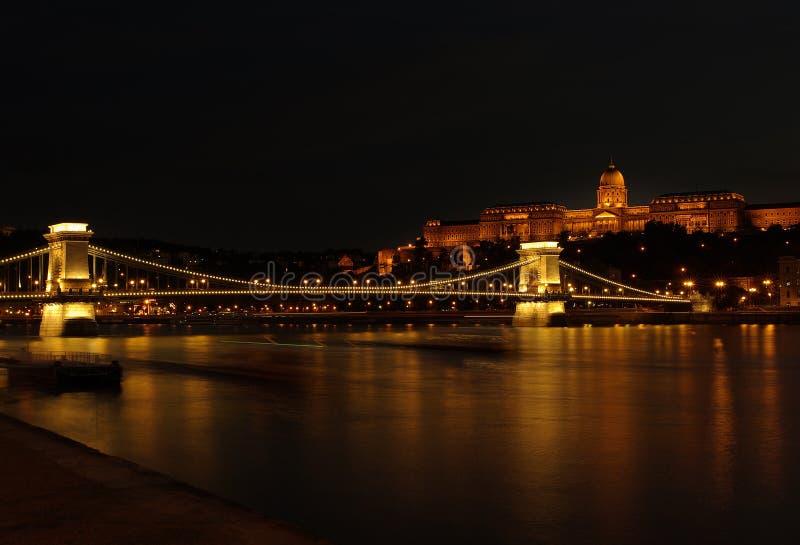 Budapest por noche foto de archivo libre de regalías