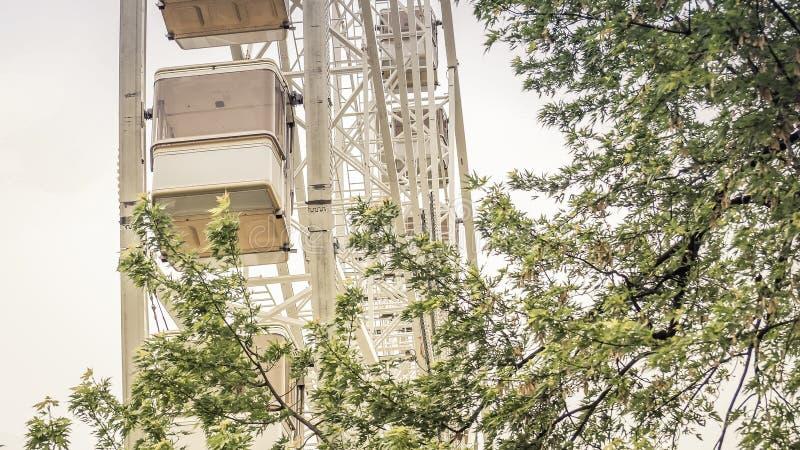 Budapest przyciągania Budapest oko z widokiem pod od drzewa obraz royalty free