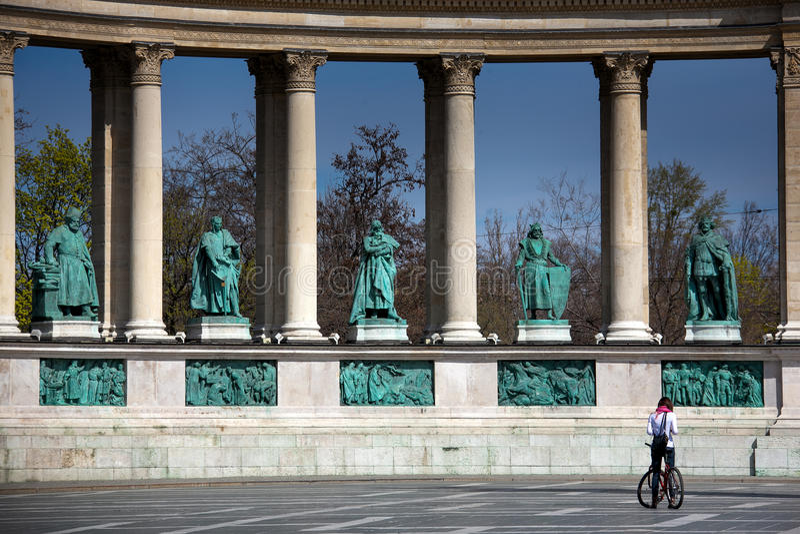 Budapest que a capital de Hungria se cruzou pelo Danube River imagens de stock royalty free