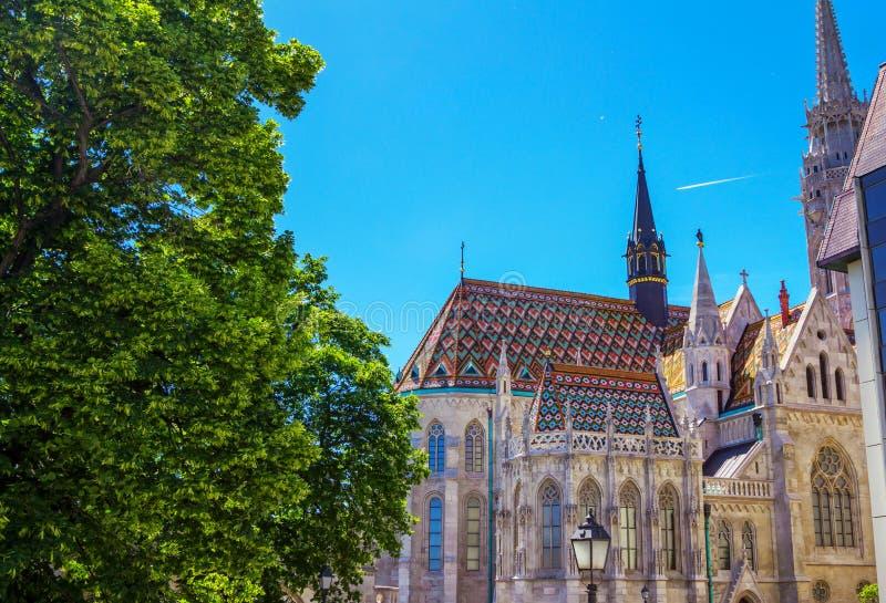 Budapest - sikt av helgonet Mathias Church arkivbilder