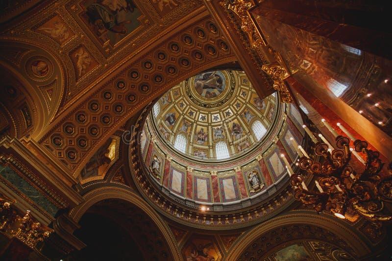 05 2019, Budapest, Ungarn: Details innerhalb der des St Stephen Basilika 1 lizenzfreie stockfotografie