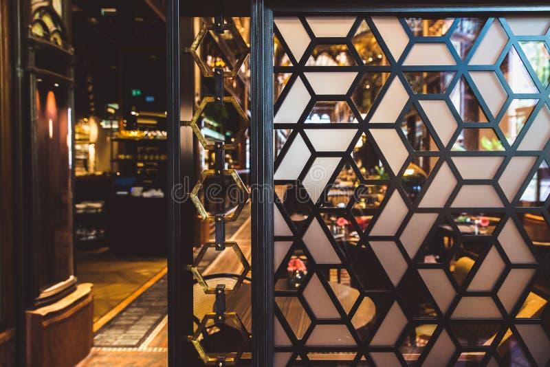 BUDAPEST, UNGARN - 18. JUNI 2019: Innenraum von Hotel Parisi Udvar in v-Bezirk in Budapest, Ungarn stockfotografie