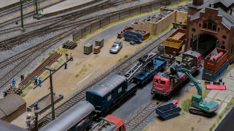 Budapest, Ungarn - 1. Juni 2018: Miniversum-Museums-Ausstellung - vorbildliche Miniaturspielwaren des Bahnfriedhofs lizenzfreies stockfoto