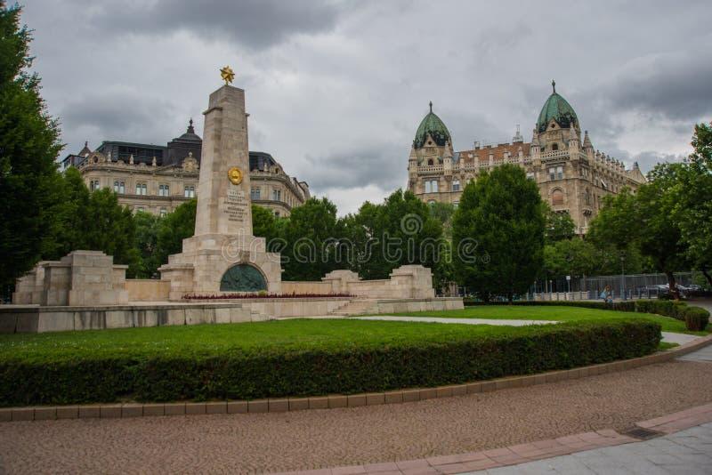 Budapest, Ungarn: Monument zur sowjetischen Befreiung von Ungarn im Zweiten Weltkrieg von Nazi German-Besetzung entworfen durch K lizenzfreies stockbild