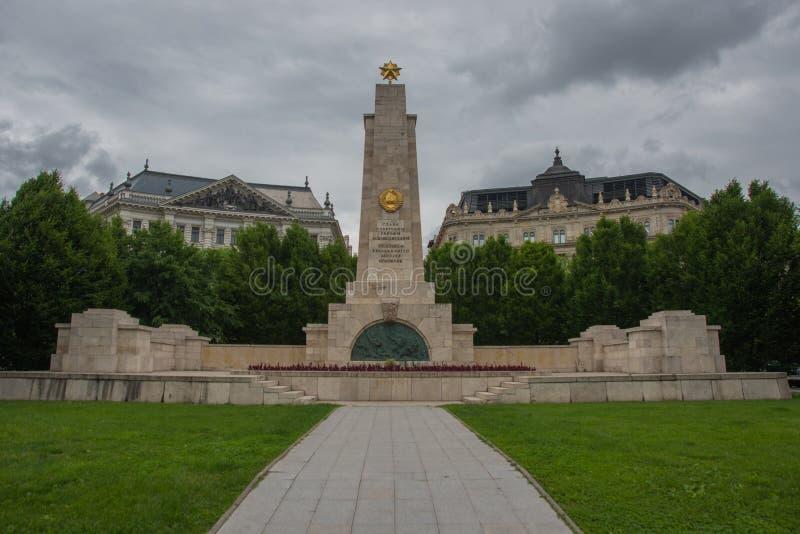 Budapest, Ungarn: Monument zur sowjetischen Befreiung von Ungarn im Zweiten Weltkrieg von Nazi German-Besetzung entworfen durch K lizenzfreies stockfoto