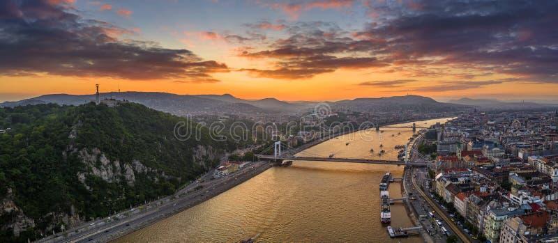 Budapest Ungern - flyg- panorama- horisontsikt av Budapest med Elisabeth Bridge, Szechenyi kedjebro, Buda Castle arkivfoto
