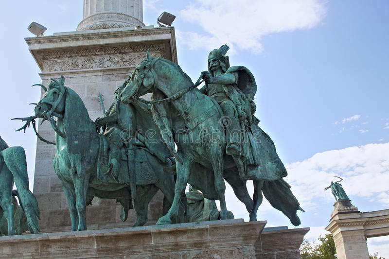 BUDAPEST, UNGHERIA - 8 AGOSTO 2012: Monumento di millennio sul quadrato del ` di eroi a Budapest, Ungheria fotografia stock libera da diritti