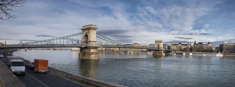 Budapest, vista panorâmica da ponte Chain no Danube River imagem de stock royalty free