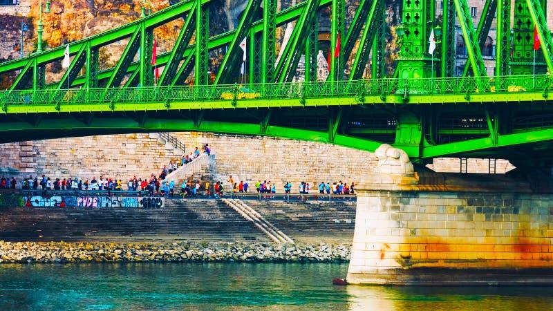 Budapest, W?gry - MAI 01, 2019: ?a?cuszkowy most na Danube rzece w Budapest mie?cie W?gry Miastowa krajobrazowa panorama z starym fotografia royalty free