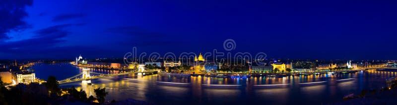 Budapests Panorama in der Nacht stockbild