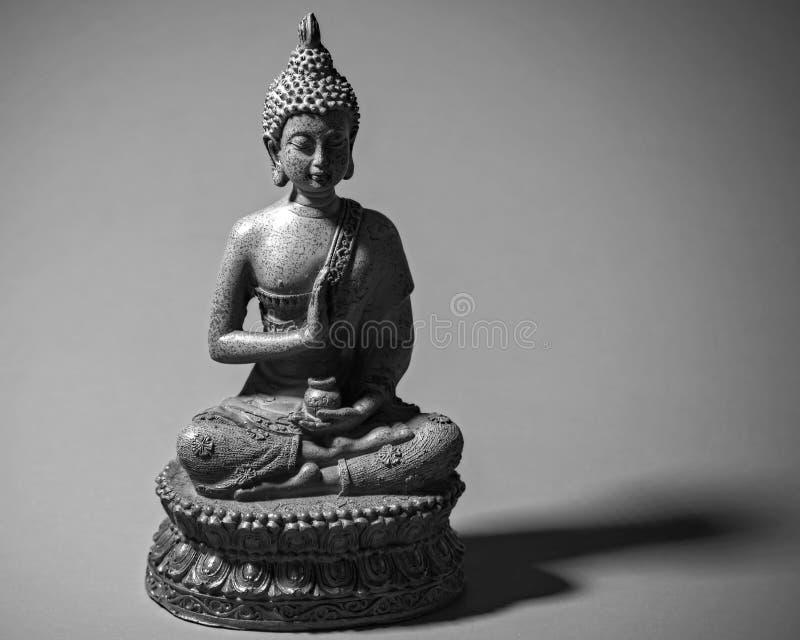 Buddah pour favoriser le zen photos stock