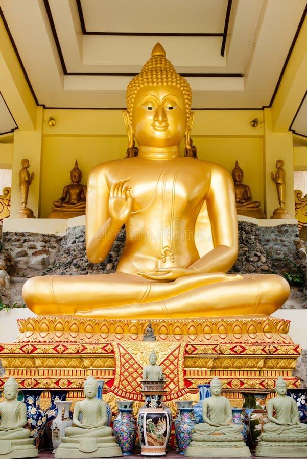 Buddas de oro imagen de archivo libre de regalías