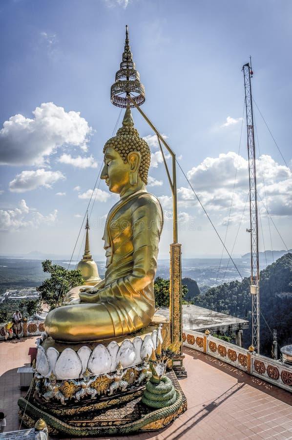 Buddha överst av kullen arkivbild